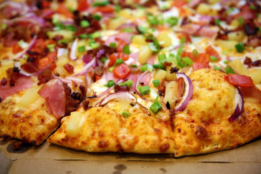 Pizza World in Creve Couer announces catering menu